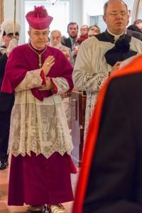bishop-schneider-mass-18-2
